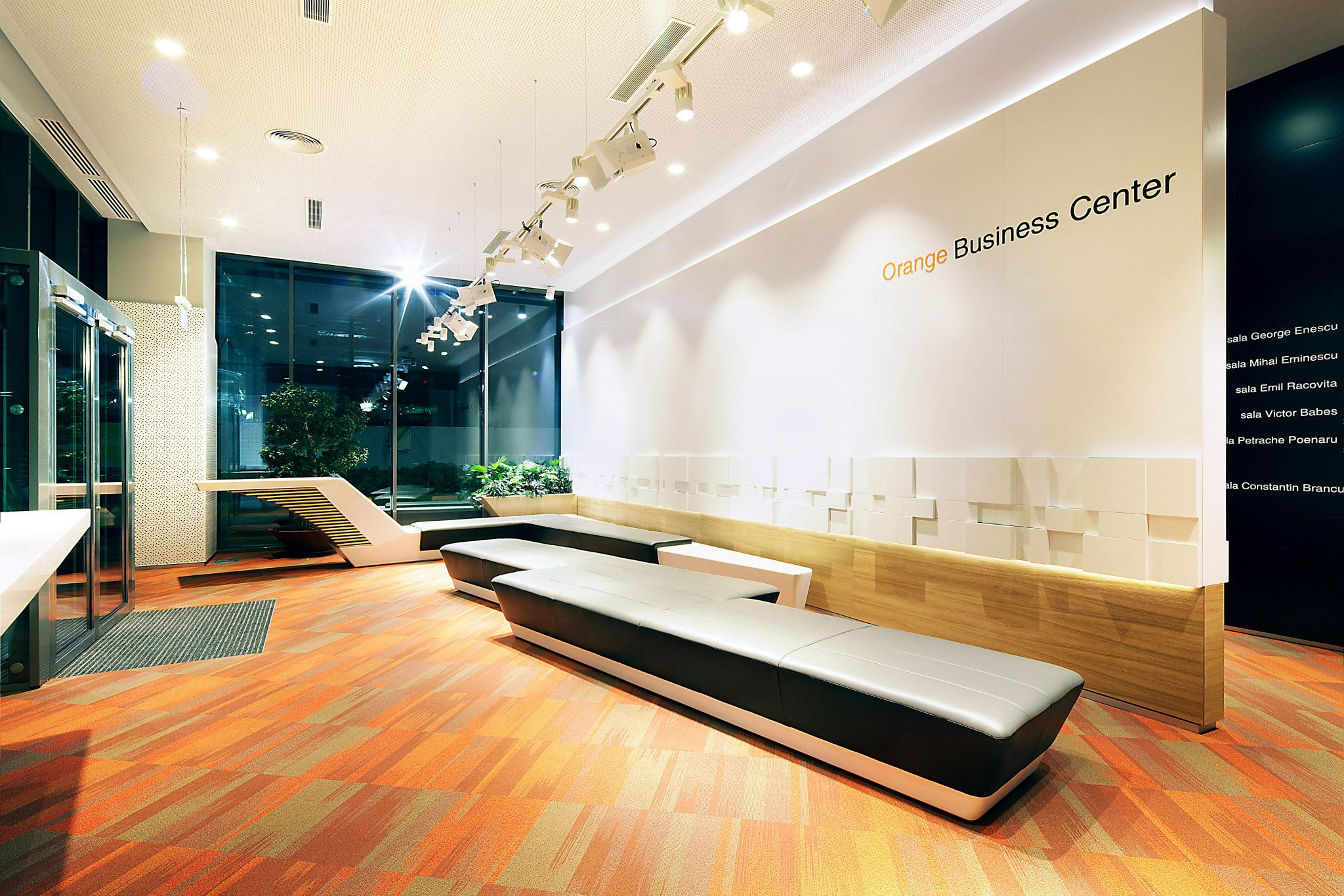 ORANGE-Operational-Center_Trivenus_AMA-Design_09