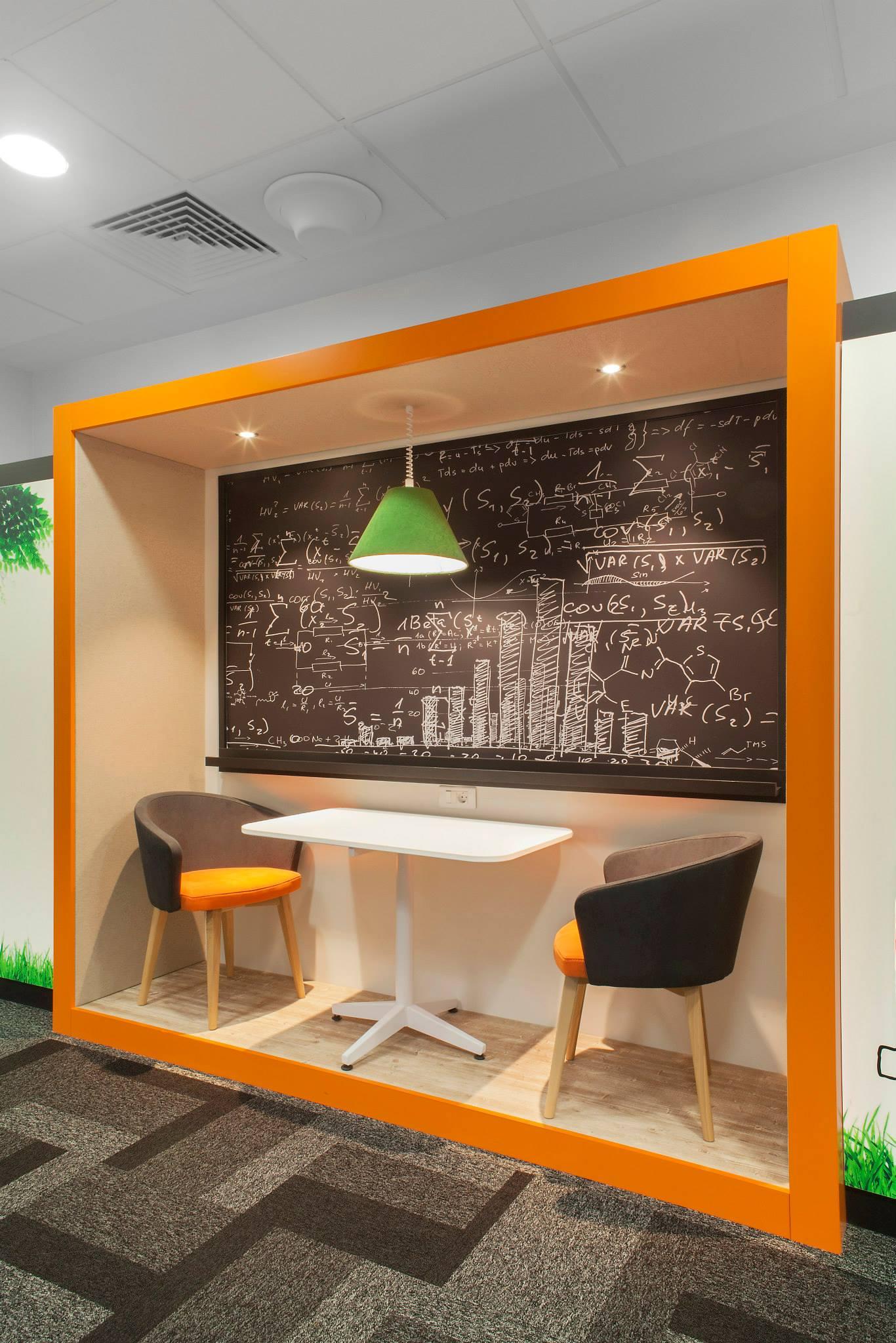 ORANGE-Operational-Center_Trivenus_AMA-Design_26