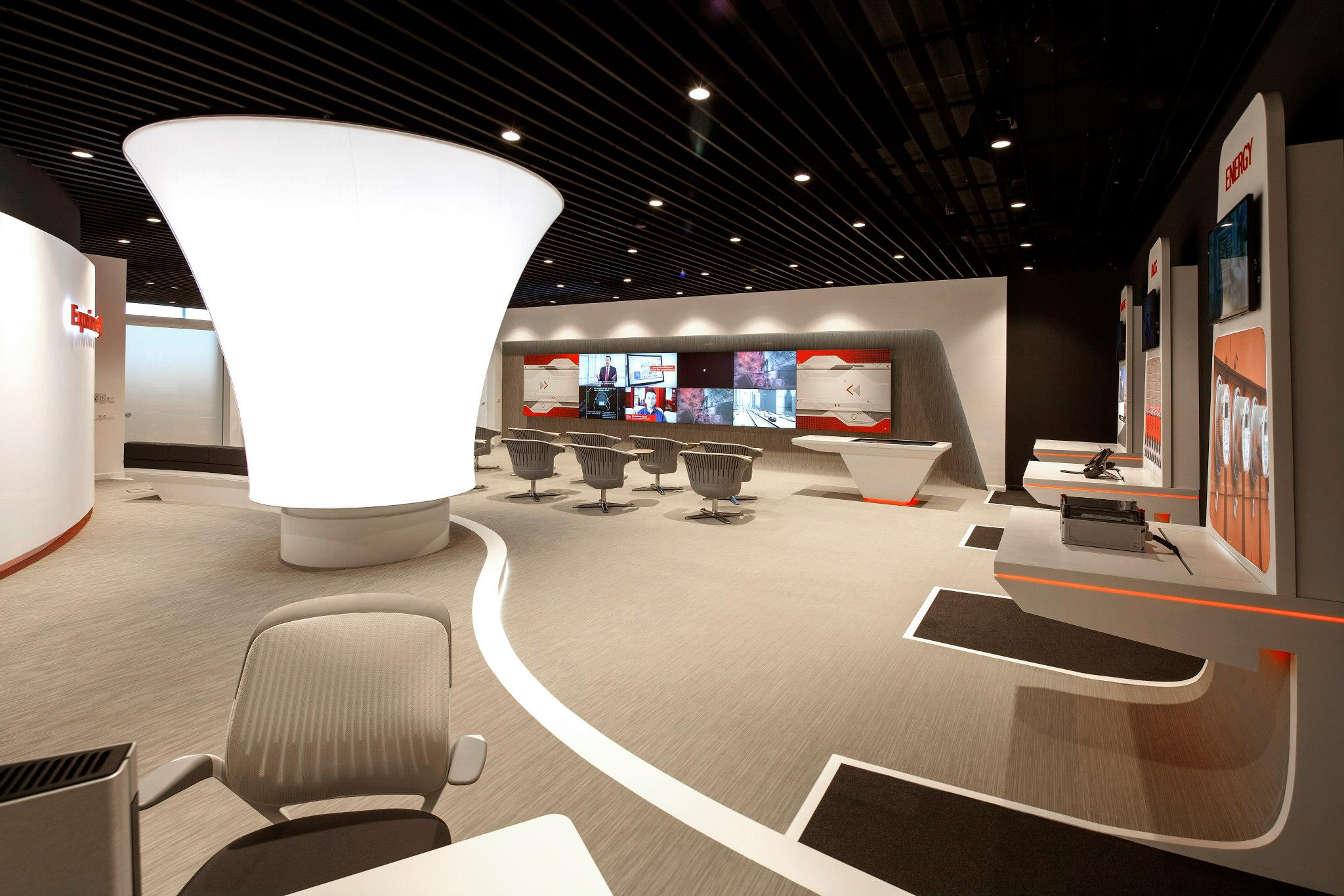 VODAFONE-Customer-Experience-Center-Pipera_Trivenus-Ama-Design_05