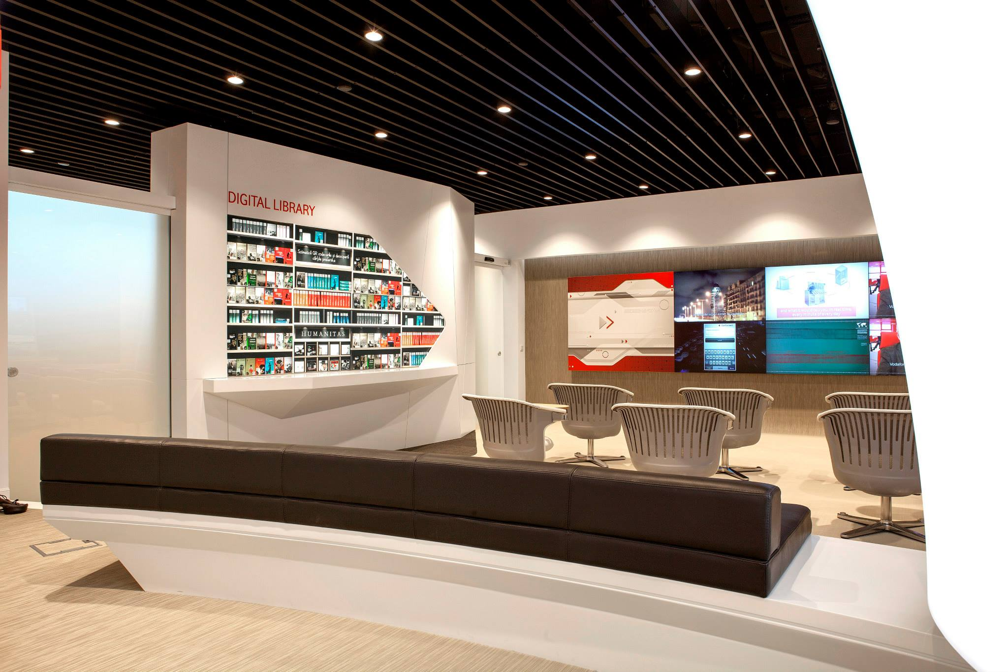 VODAFONE-Customer-Experience-Center-Pipera_Trivenus-Ama-Design_11
