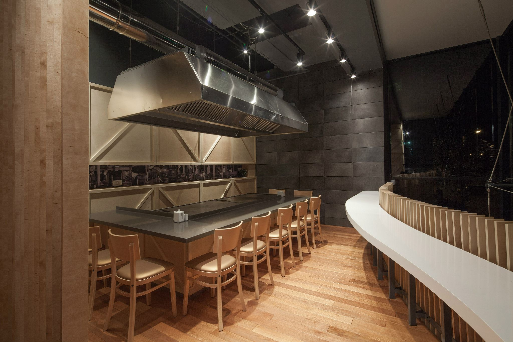 YOSHI-Sushi-Teppanyaki-Trivenus-Ama-Design-18
